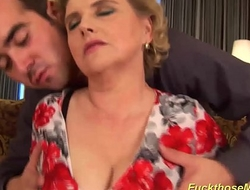 chubby hairy mom gets abandoned fucked