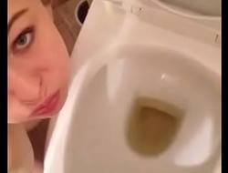 Hot brunette teen slut swallows boyfriends piss over toilet