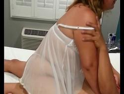 Mi esposa cogiendose a su macho hasta cansarse y riendo por su cogida