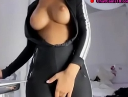perfect ass in black yoga pants and squirt part 2