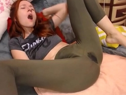 Amateur squirting in yoga pants on cam hottestmilfcams.com