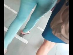desi girl sexy hot ass in public