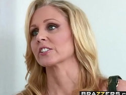 Brazzers - Moms in control - (Julia Ann, Danny Mountain) - Sharing A Massage